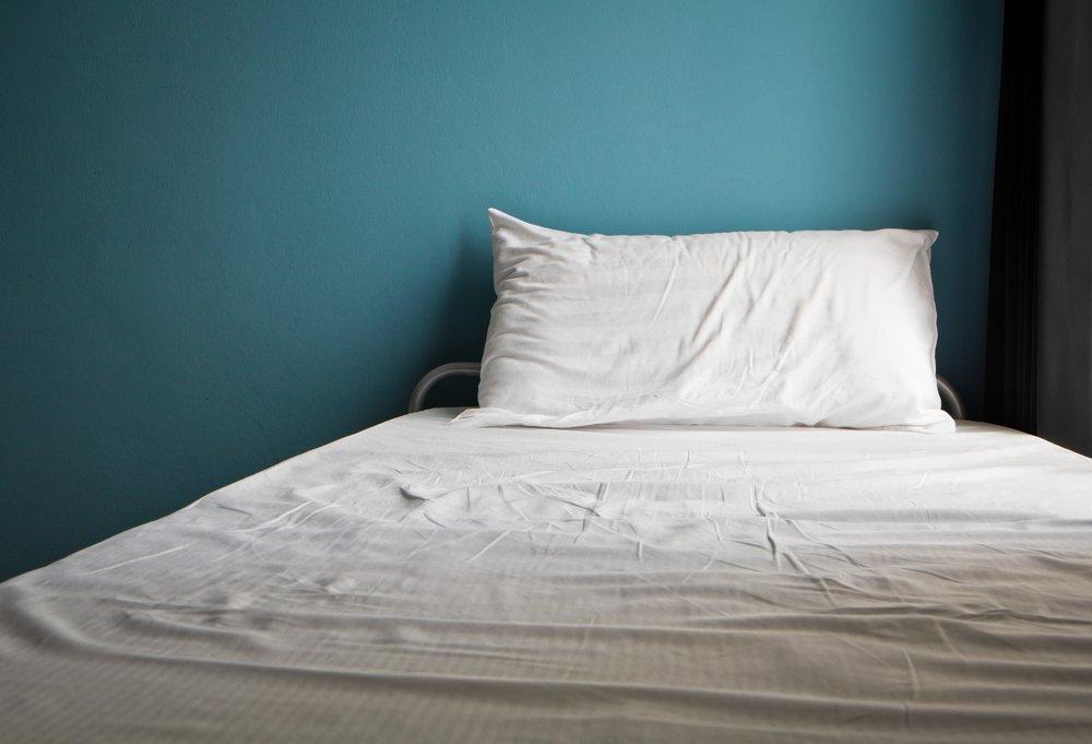 sonhar com cama de solteiro