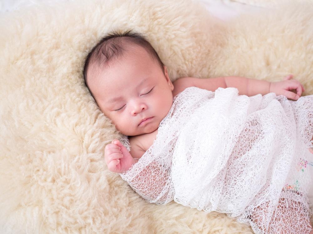 sonhar com bebê recém-nascido dormindo