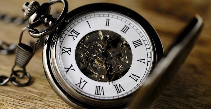 sonhar com relógio antigo