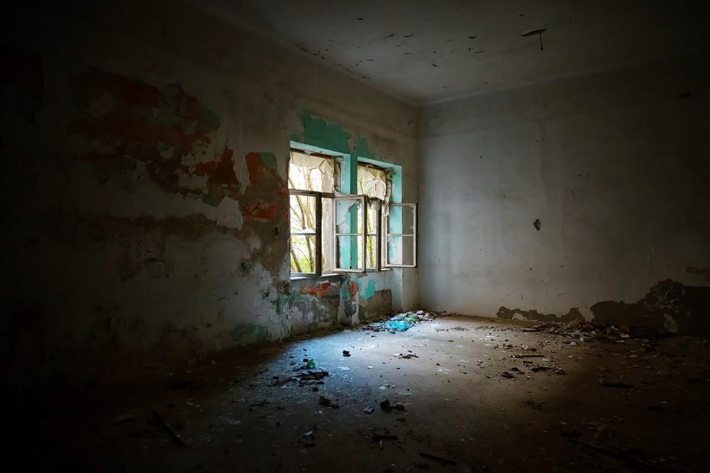 sonhar que está em uma casa velha