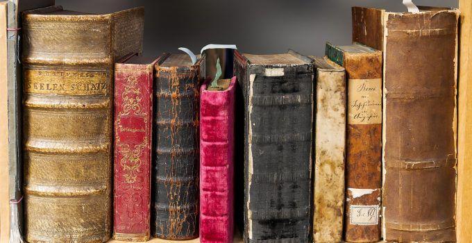 sonhar com livros danificados