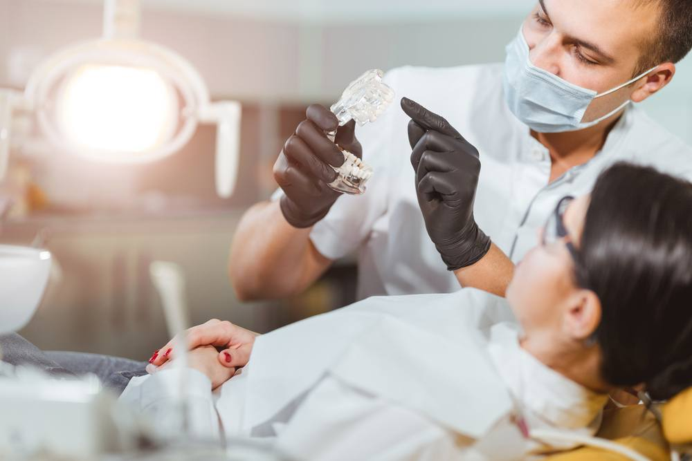 O que significa sonhar com dentista?