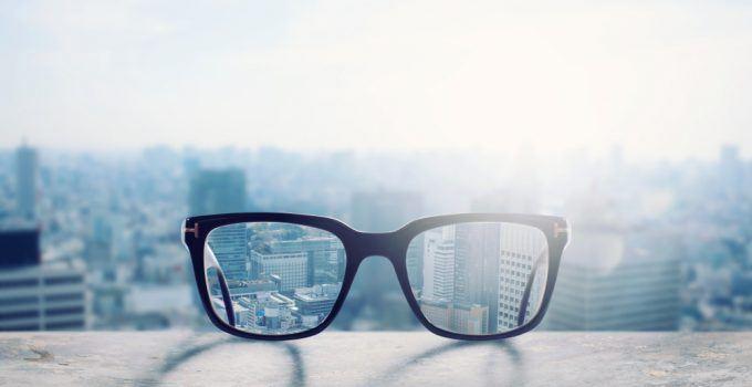 O que significa sonhar com óculos?