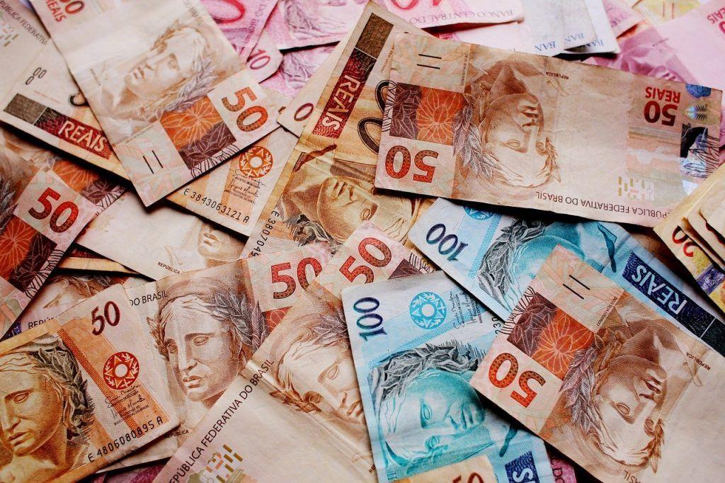 O que significa sonhar com dinheiro de papel?