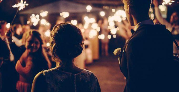 O que significa sonhar com festa de casamento?