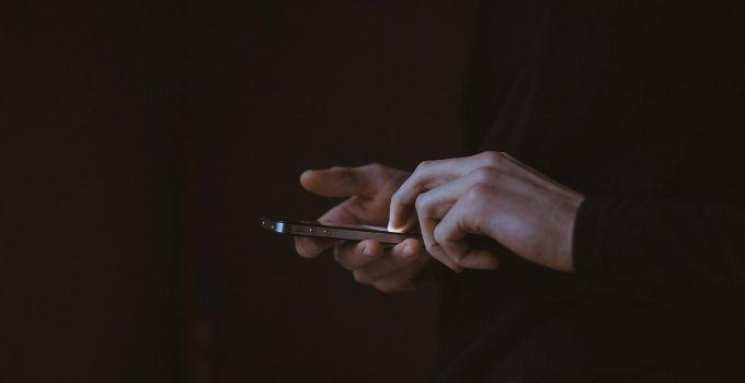O que significa sonhar com roubo de celular?
