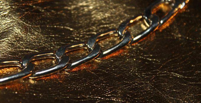 O que significa sonhar com corrente de ouro?