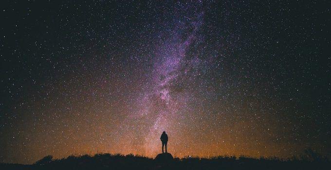 O que significa sonhar com céu estrelado?