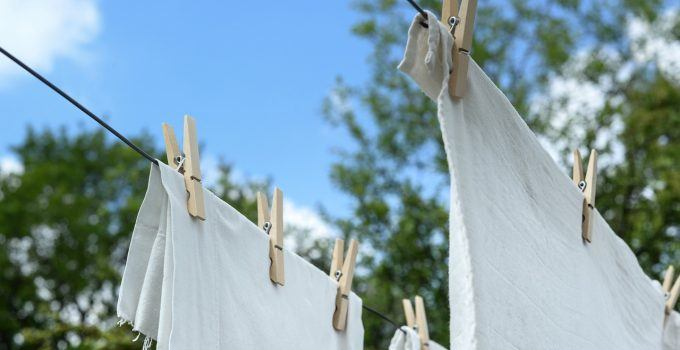 O que significa sonhar com roupa no varal?